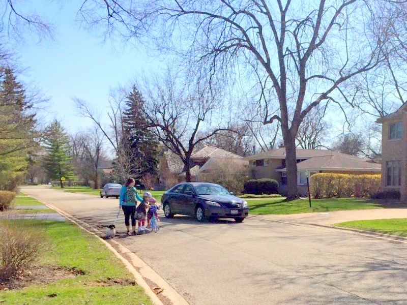 featured image Lack of sidewalks prevent Glenview kids from walking