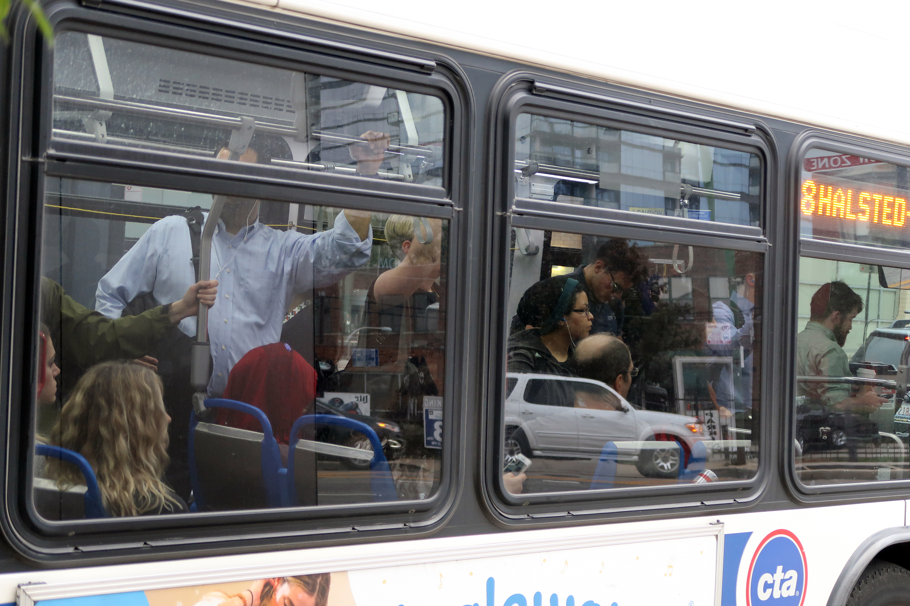 featured image New report calls for city action to reverse bus ridership declines